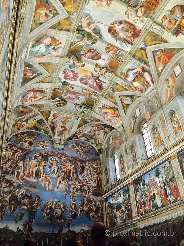 Vaticano: teto e altar da Capela Sistina, pintados por Michelangelo