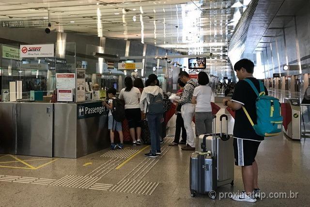 Onde-comprar-bilhete-de-metro-no-aeroporto-de-changi-em-cingapura