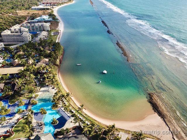 Foto com drone da linda praia de Muro Alto (Porto de Galinhas), uma das praias mais bonitas do Brasil
