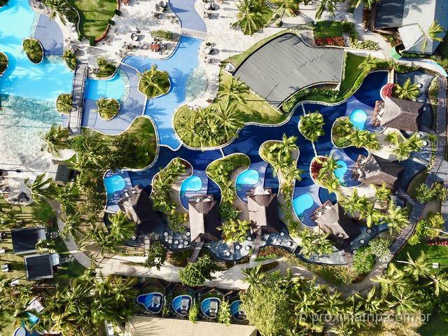 Nannai Resort & Spa: Bangalôs com piscina visto com drone