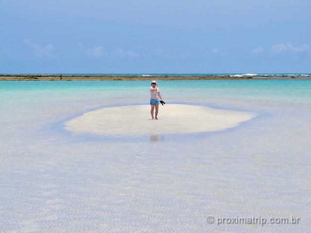 Ilha formada na maré baixa na praia de Antunes, em Maragogi - uma das mais bonitas do Brasil!