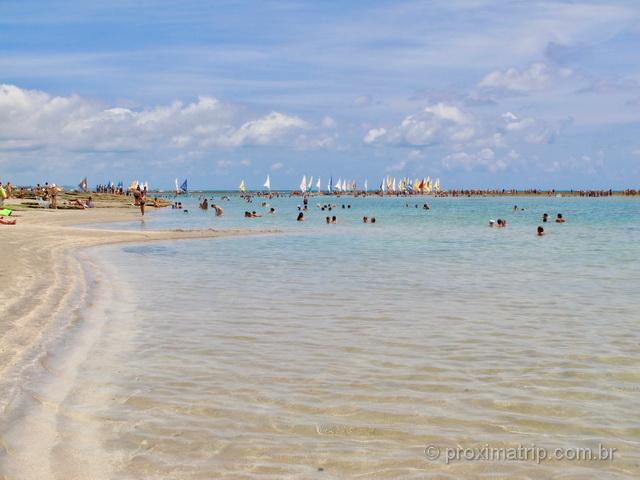 Praia de Porto de Galinhas durante a maré baixa - mar sem ondas!