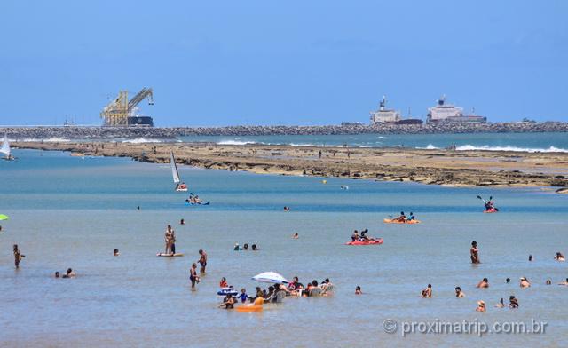 Lazer e diversão na praia de Muro Alto, em Porto de Galinhas