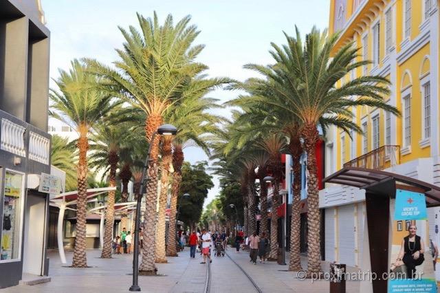 O que fazer em Aruba: Shoppings e compras em Oranjestad