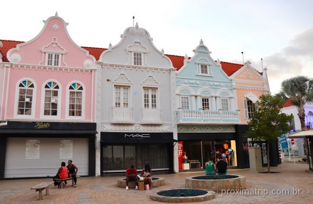 """Casinhas """"holandesas"""" em Aruba"""