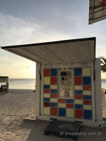 Lockers na praia de Palm Beach