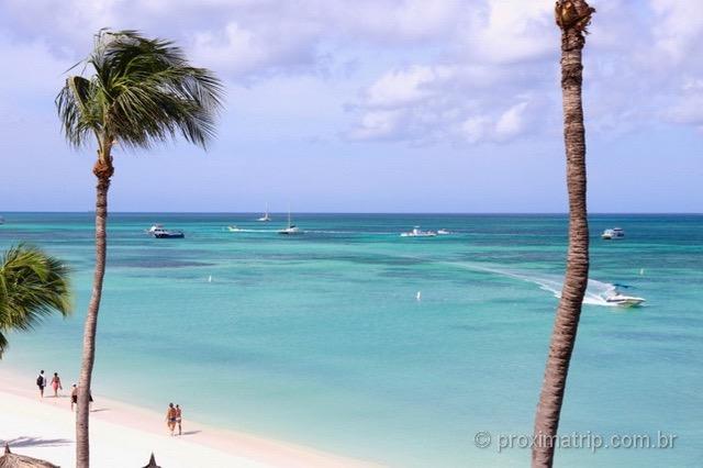 Praia Palm Beach em Aruba