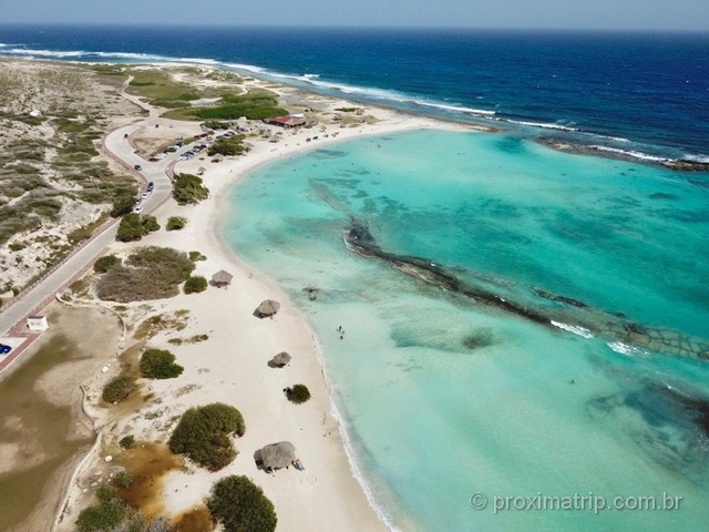 Praia Baby Beach vista com drone em Aruba