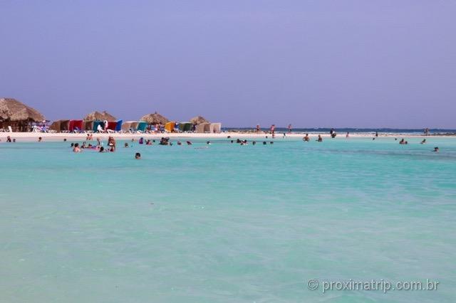 Mar piscininha: águas calmas e sem ondas em Baby Beach - Aruba