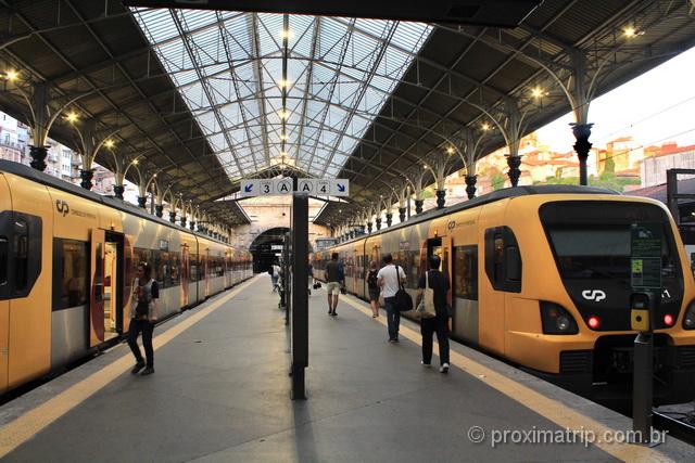 Trens de Porto até Braga, na estação São Bento