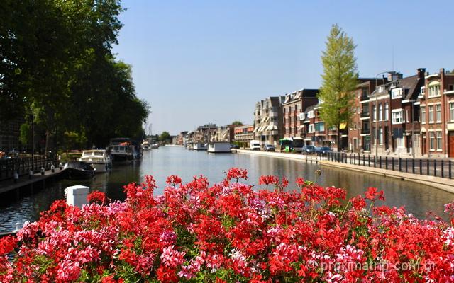 O que fazer em Gouda: cidadezinha bela e cheia de atrações na Holanda