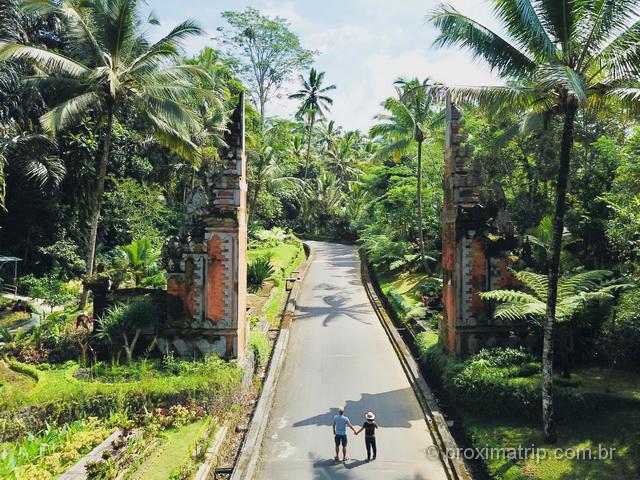 Adoramos os fotogênicos portões balineses!