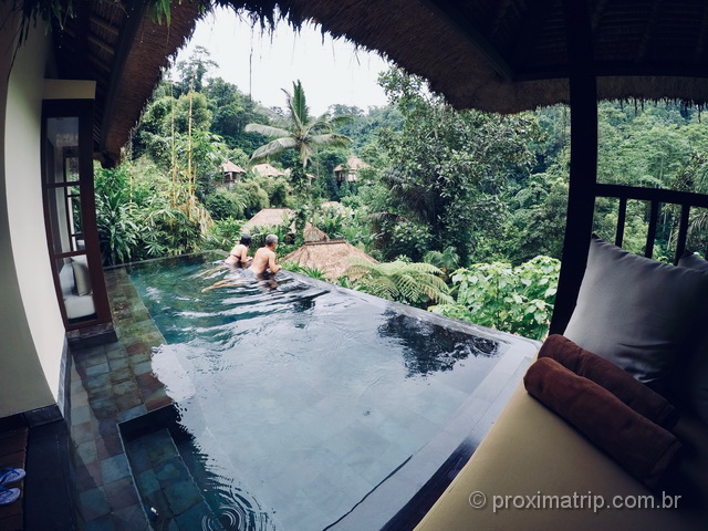 Villa com piscina de borda infinita privativa no Hanging Gardens of Bali!