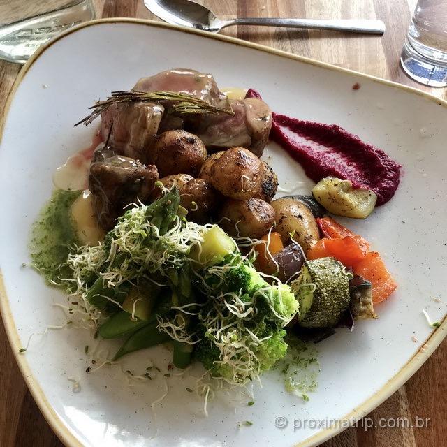 """Carne de cordeiro (""""lamb""""): prato comum na culinária islandesa"""
