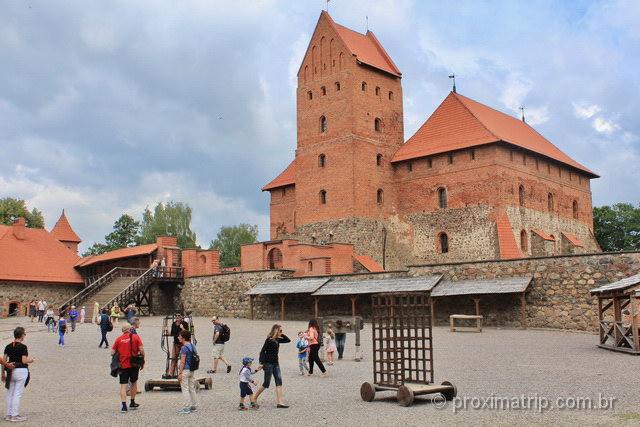 como visitar castelo de trakai por dentro