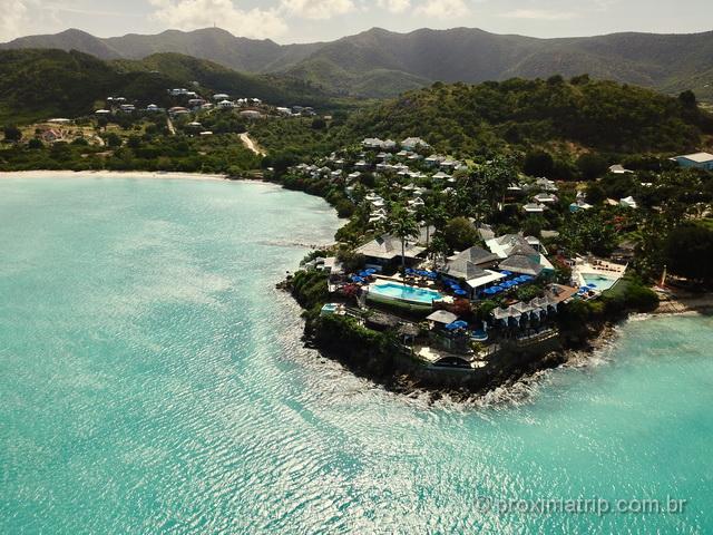 Vista com drone do Cocobay Resort em Antígua e Barbuda