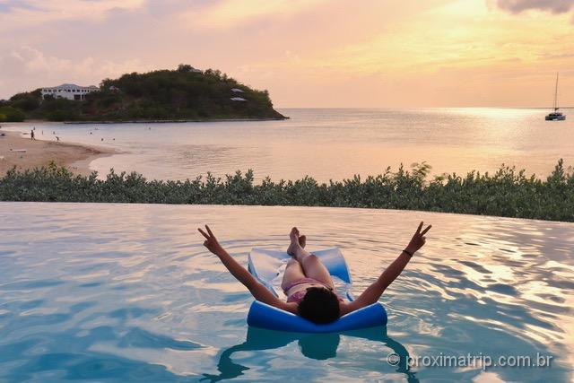 Aproveitando um dia entre piscina e praia em Antígua e Barbuda!