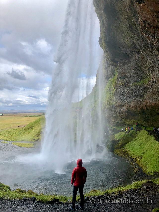 Seljalandsfos: uma das cachoeiras mais bonitas da Islândia!