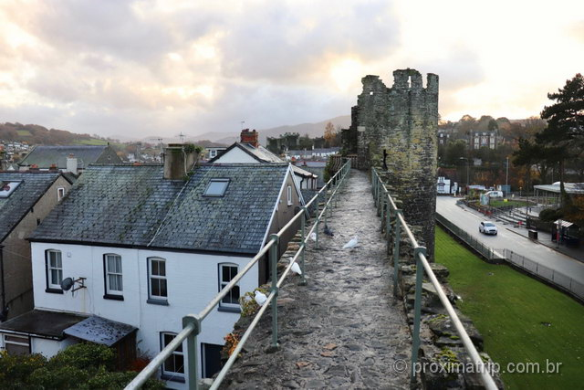 Passeio em Conwy: caminhando pelas antigas muralhas da cidade