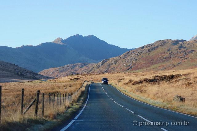 Estrada no Parque Nacional Snowdonia