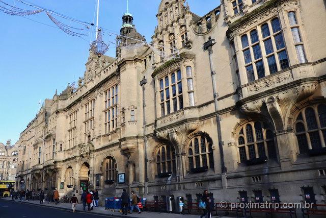 Town Hall: Prefeitura e Museu de Oxford, em prédio da era vitoriana