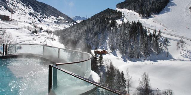 Jacuzzi no Sport Hotel Hermitage, em Andorra