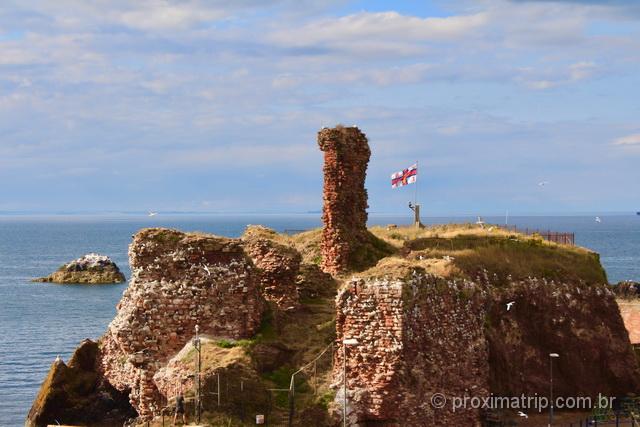 Castelo de Dunbar, na costa Northumberland