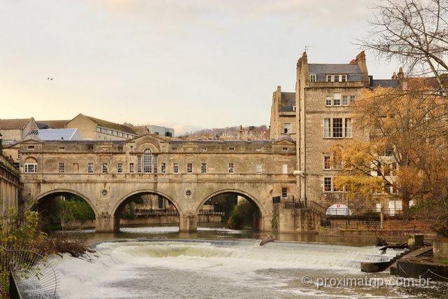 A bela Ponte Pulteney em Bath