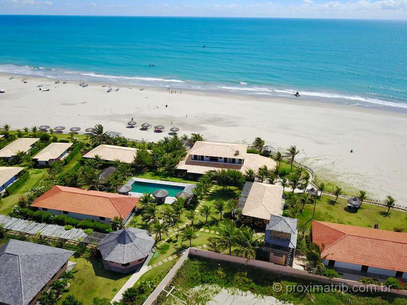 Vila Selvagem visto com drone: Praia deserta em Fortim (CE)