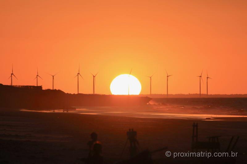 Um espetáculo de pôr do sol em Fortim