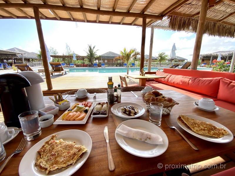 café da manhã no Jaguaribe Lodge & Kite em Fortim (CE)