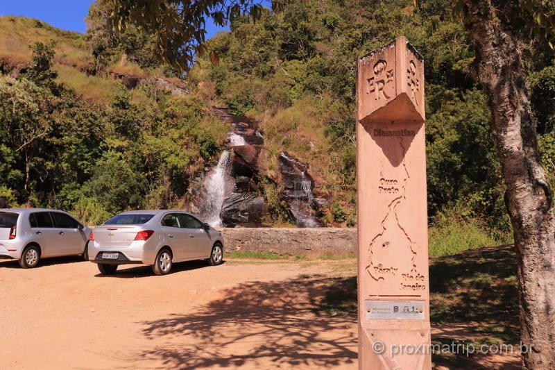 Totem da Estrada Real na estrada Cunha-Paraty