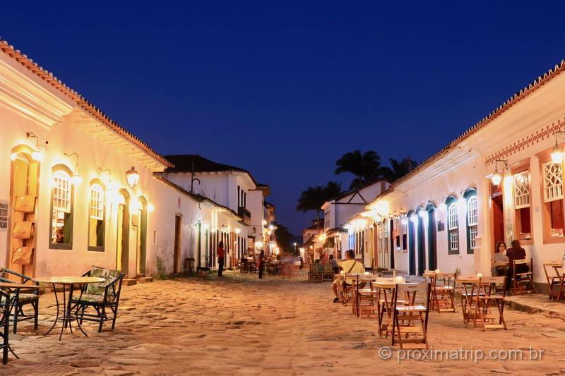 Restaurantes de Paraty à noite